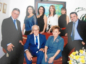 Iván, Claudia, Estella, María Eugenia, María Cristina y Gustavo Lobo Parra.