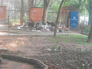La basura es uno de los problemas mayores del parque Conucos.
