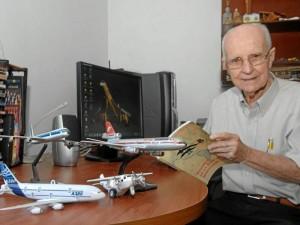 Efraím Ardila García contó su vida alrededor de la aviación, su mayor afición.