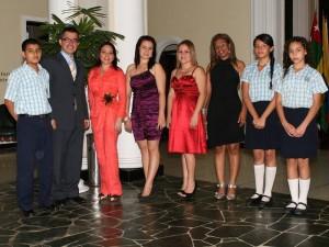 Andrés Anón, Mauricio García, Nohora Chaparro, Karina Cárdenas, Lourdes Ardila, Ellus Julieth Guzmán, María Camila Carretero y Karen Lizarazo.