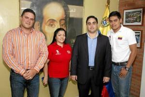 Rafael Urdaneta, Jenny Moreno, David Josué Quintana La Riva, nuevo cónsul de Primera y Jefe Interino del Consulado, y Juan Suescún.