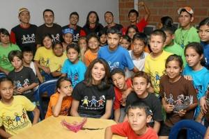 Ángela Patricia Janiot ha seguido de cerca el proceso con los 500 niños de Villas de San Ignacio, en el norte de Bucaramanga.
