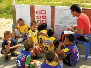 Mediante el fútbol se implementan acciones pedagógicas para fomentar valores en los niños.