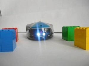 Robi tiene sensores de luz y proximidad.