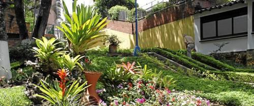 Florecen los jardines de Cabecera