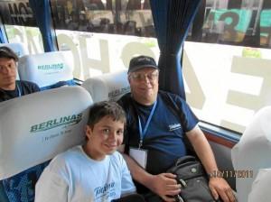 Junto a Jesús Trillos en Barranquilla, al lado de la Selección Colombia. Este fue el premio de un sorteo de una empresa de telefonía y cable en Bucaramanga