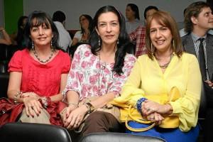 Carmen Alicia Flórez Durán, Esperanza León y Patricia Corredor Guzmán.