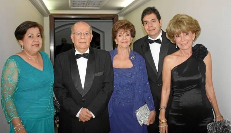 Sonia Castellanos, Ramiro Pinzón, Zoila Hernández, Javier Pinzón y Martha Castellanos.