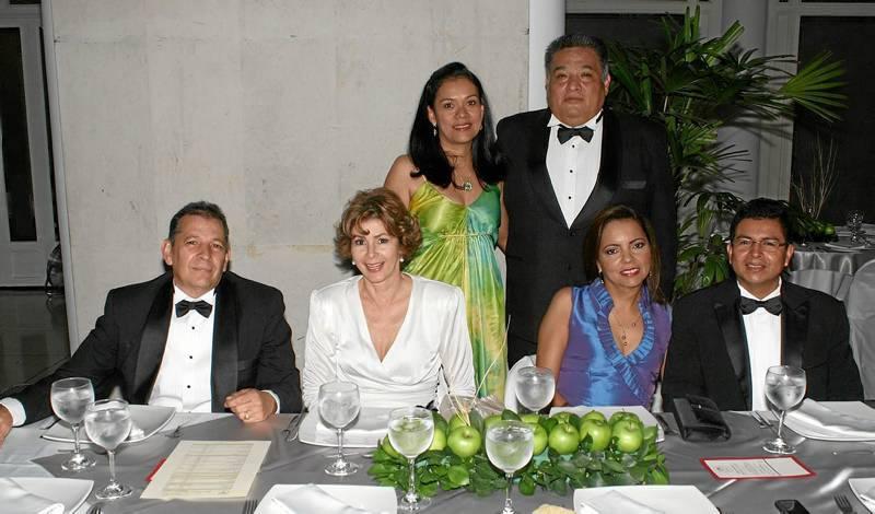 Diana García, Berney Calpa, Alberto Murcia, Luz Marina de Murcia, Claudia Cruz y Miguel Becerra Montoya.
