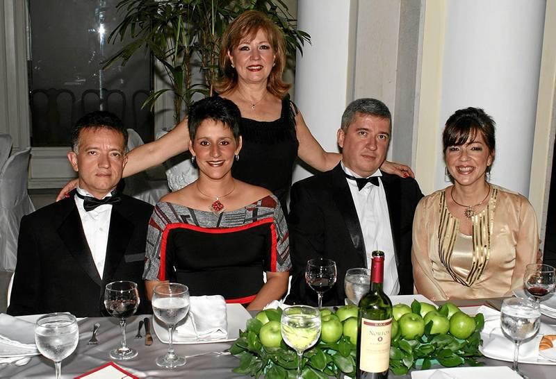 Emma Reyes, José Enrique Ayala Reyes, Elsa Beatriz Gutiérrez, Oscar Iván Ayala y Adriana McCormick.