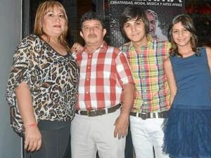 La familia Serrano Ríos ha trabajado duro en el mercado del calzado y en el sueño de Sergio.