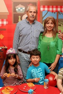 Rocío Castro, Antonio García, Juan Pablo García e Isabella Ochoa.