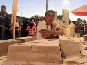 En los días de la Bienal Internacional de Escultura del Chaco, en la ciudad de Resistencia, Argentina.