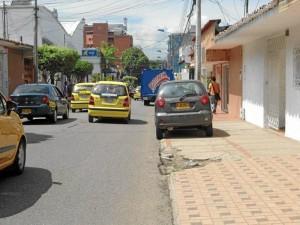 Carrera 35  entre calles 46 y 48. ( Fotos Tatiana Celis ) / GENTE DE CABECERA