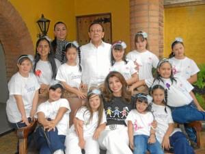 Estas son las niñas bumanguesas que participarán en el Reinado Nacional de Talento de Niñas Especiales. Suministradas / GENTE DE CABECERA