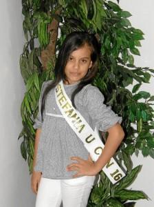 Stefanía Uribe Rodríguez es la representante de la comuna 16 al reinado de Niña Bucaramanga 2012 y como residente de San Expedito pidió más atención para su barrio.