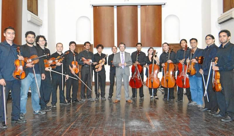 La Orquesta de Cámara de Cuerdas se reúne tres veces por semana en el Centro Cultural del Oriente. ( Foto Suministrada )