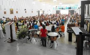 Fue masiva la participación de feligreses a la celebración.
