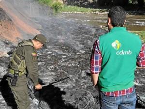 Suministrada CDMB / GENTE DE CABECERA La CDMB ha encontrado quemaderos de llantas a orillas de ríos del área metropolitana.