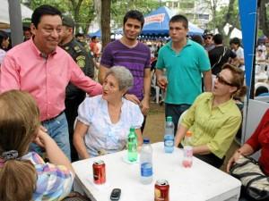 El alcalde Luis Francisco Bohórquez compartió con los asistentes al evento.