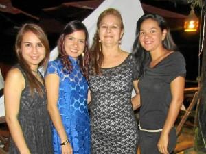 Silvia Juliana Claro Sánchez, Vanessa Claro Sánchez, Pina Sánchez y Katheryne Claro Sánchez.