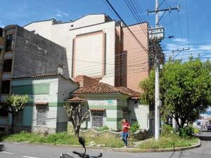 Esta es la esquina que la comunidad de El Prado pide sea aseada.  (Foto Suministrada Gloria Cadena )