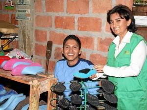 El acompañamiento y asesoría a las famiempresas en Guatiguará ha sido uno de los trabajos constantes de Iris con la Fundación Transformar. (Fotos Mauricio Betancourt )