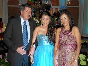 Gonzalo Rojas, María Carolina Rojas y Carolina Saavedra.