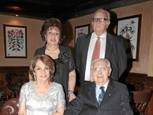 Eugenia Gómez de Barrera, Álvaro Barrera Larrarte, Gloria Quiroz de Barrera y Álvaro Barrera Lloreda.