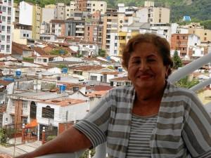 Doña Inés de Serrano nos contó parte de la historia de construcción de la iglesia del sector.