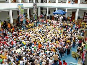 El colegio recibió la visita de estudiantes de primaria y bachillerato quienes hicieron exitosa esta fiesta. ( Fotos suministradas Johana Quintero )