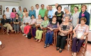 Recientemente se reunieron feligreses a recopilar la historia de la parroquia.(Hernando Galeano).