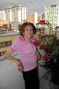 La señorita Betulia González, con 90 años, es la habitante más antigua de Magisterio IV.
