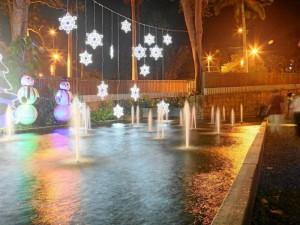 Así luce el Parque del Agua en Navidad.