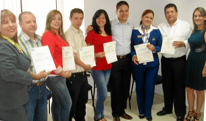 El centro de idiomas Heyes Bucaramanga hizo entrega de  los certificados 'English Program for Purpose' a los funcionarios del hotel Chicamocha.