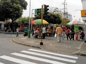 En la calle 48 con carrera 33 el semáforo de tiempo de paso para peatones no se ve con claridad.
