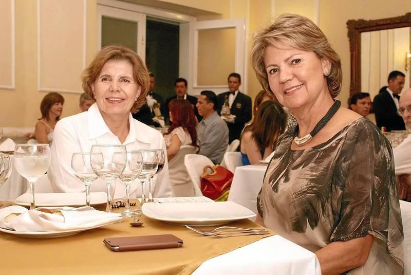 Amparo Pulido y María Adela Pulido.