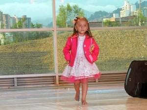Manuela Alejandra Reyes Parada, niña Cinderella Colombia 2012-2013.
