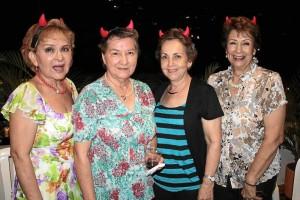 Ligia de Cortés, Ángela Sarmiento, Teresa de Sarmiento y María Mercedes de García.