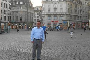 Javier Cote-Sierra tiene 50 años y es hijo de Benjamín Cote y María Tri-nidad Sierra de Cote.