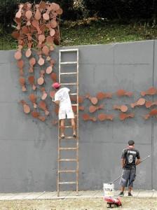 Esta foto tomada en 2011 muestra cómo era la escultura de la que quedan hoy pocas hormigas.