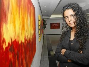Yovanna Uribe Vane-gas tiene 36 años y es la artista del mes en el programa Nuevos Ta-lentos de la CCB.