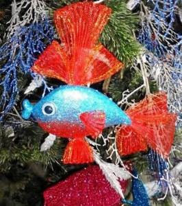 """""""Este año volvieron las mariposas y las pequeñas aves tropicales, que además son muy nuestras, con colores singulares y mucho brillo. También hay hadas, muñecas y otros animalitos como pavos reales o peces""""."""