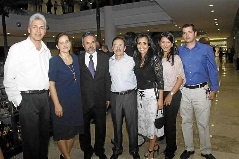 Eduardo Higuera, María Álix Gómez, Libaniel Coy, Hernán Gómez, Ángela de Gómez, María Teresa Prada y Germán Ángel.