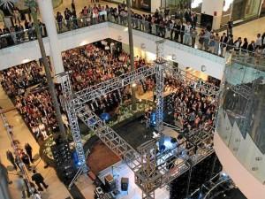 Cacique Centro Comercial fue inaugurado el 15 de noviembre de 2012.