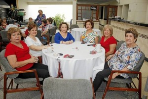 Betty de Avellaneda, Mirian Ruiz Mantilla, Sandra Anaya, Fanny Riveros, Cecilia de Carrier y Celina de Castellanos.