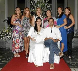 Ana María Barragán, Rafael Ospino, Karen Barragán, Vivian Ospino, Flor Elba de Barragán, Jesusa de Ospino, Sandra Barragán y Mónica Barragán.