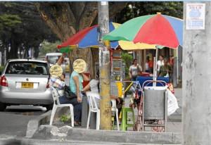 Esta es una de las ventas ubicadas sobre la avenida González Valencia.