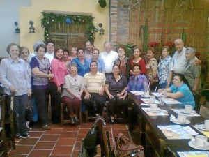 Grupo de ministros extraordinarios de la Comunión de San Pío X.