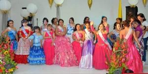 Las niñas fueron coronadas en este evento espe-cial para ellas.